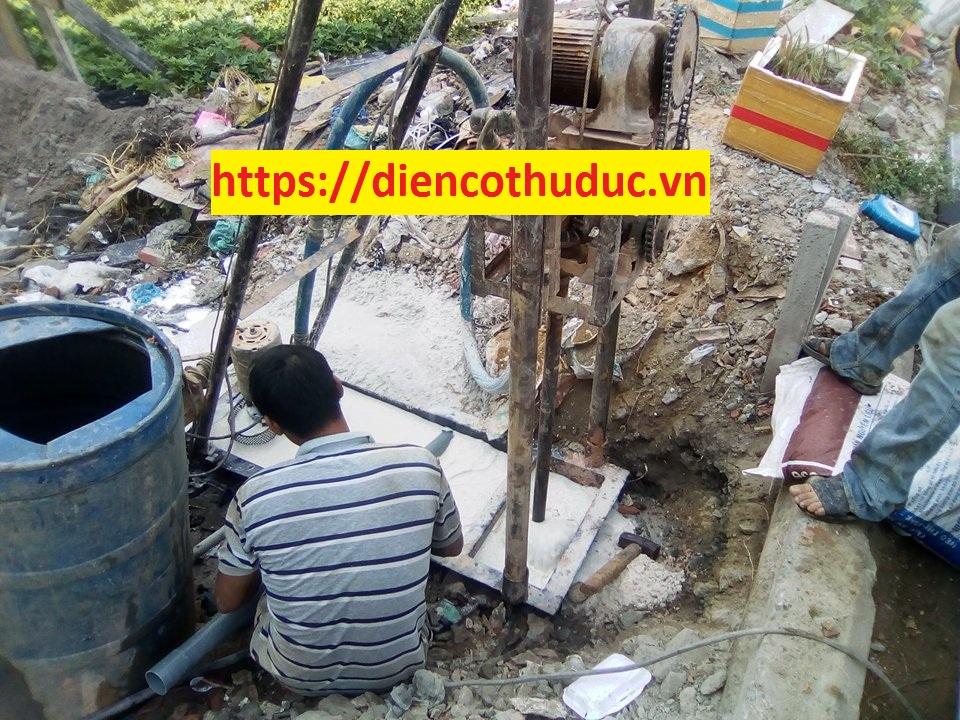 Thợ khoan giếng tại Dĩ An