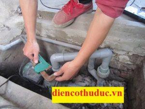 Thợ sửa máy bơm nước quận 1