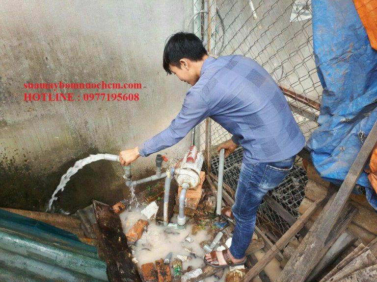 Thợ sửa máy bơm nước quận 3