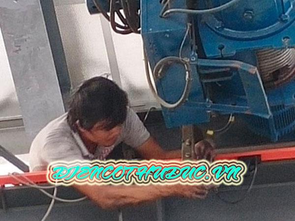 Thợ sửa cầu trục tại Đồng Nai